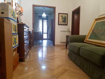 Four-bedroom Apartment of 130m² in Via delle Panche