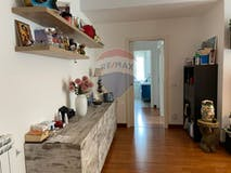 Two-bedroom Apartment of 75m² in Via Gasperina 138