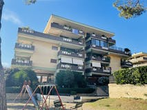 Two-bedroom Apartment of 100m² in Via Baceno