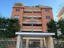 Three-bedroom Apartment of 110m² in Via Luigi Manzotti 10