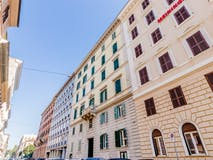 Two-bedroom Apartment of 100m² in Via Palestro