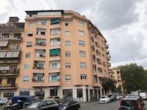 Three-bedroom Apartment of 90m² in Via Raffaele Caverni