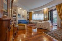 Three-bedroom Apartment of 210m² in Via Mascagni