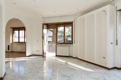 Two-bedroom Apartment of 175m² in Via della Camilluccia 19