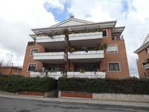 Two-bedroom Apartment of 105m² in Via Siligo 10
