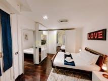 Two-bedroom Apartment of 90m² in Piazza Santa Maria Beltrade
