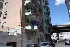Two-bedroom Apartment of 65m² in Via Prenestina 74
