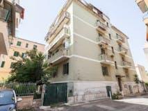 Two-bedroom Apartment of 90m² in Via Degli Amaranti