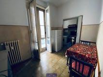 Three-bedroom Apartment of 80m² in Viale Redi