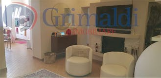 Two-bedroom Apartment of 90m² in Via Pompeo Magno