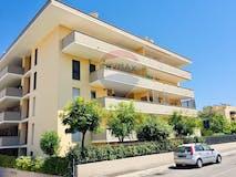 Three-bedroom Apartment of 110m² in Via del Podere Fiume