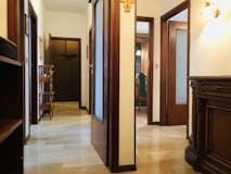 Two-bedroom Apartment of 120m² in Via Massimo Gorki 19