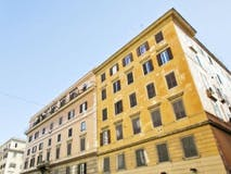 Two-bedroom Apartment of 75m² in Via Candia 55