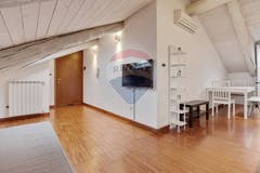 Two-bedroom Apartment of 88m² in Corso Belgio