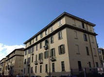 Two-bedroom Apartment of 106m² in Via Lauro Rossi 36