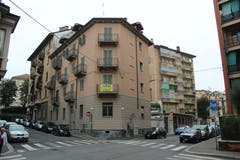 Two-bedroom Apartment of 102m² in Via Medail 23