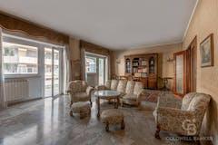 Four-bedroom Apartment of 204m² in Via Degli Orti Della Farnesina 107