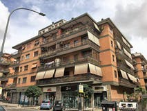 Two-bedroom Apartment of 80m² in Via Collatina 76