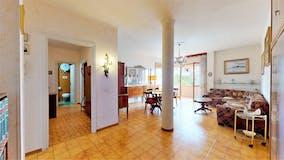 Two-bedroom Apartment of 114m² in Via Romolo Balzani
