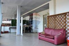 Three-bedroom Apartment of 100m² in Via Cassia 1827