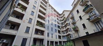 Two-bedroom Apartment of 85m² in Viale Stelvio