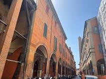Plurilocale di 145m² in Strada Maggiore AD.ZE 2 Torri