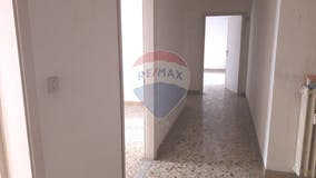 Two-bedroom Apartment of 108m² in Via Castelfidardo 27