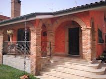 Four-bedroom Villa of 300m² in Via Redavalle