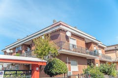 Two-bedroom Apartment of 75m² in Via Angelo Vinco 20