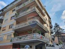 Two-bedroom Apartment of 110m² in Via Antonio Oroboni