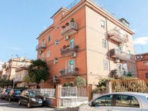 Two-bedroom Apartment of 110m² in Via Carenno