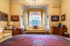 Four-bedroom Villa of 400m² in Via Pacifico Valussi
