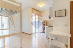 Studio of 40m² in Via Roberto Raviola