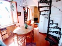 Three-bedroom Apartment of 80m² in Via Giambologna