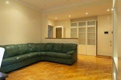 Two-bedroom Apartment of 105m² in Via Giovanni Battista Tiepolo 34