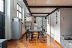 Two-bedroom Apartment of 95m² in Via Pietro Pomponazzi