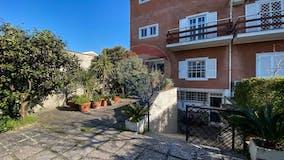Villa di 320m² in Via Padre S. F. Pifferi